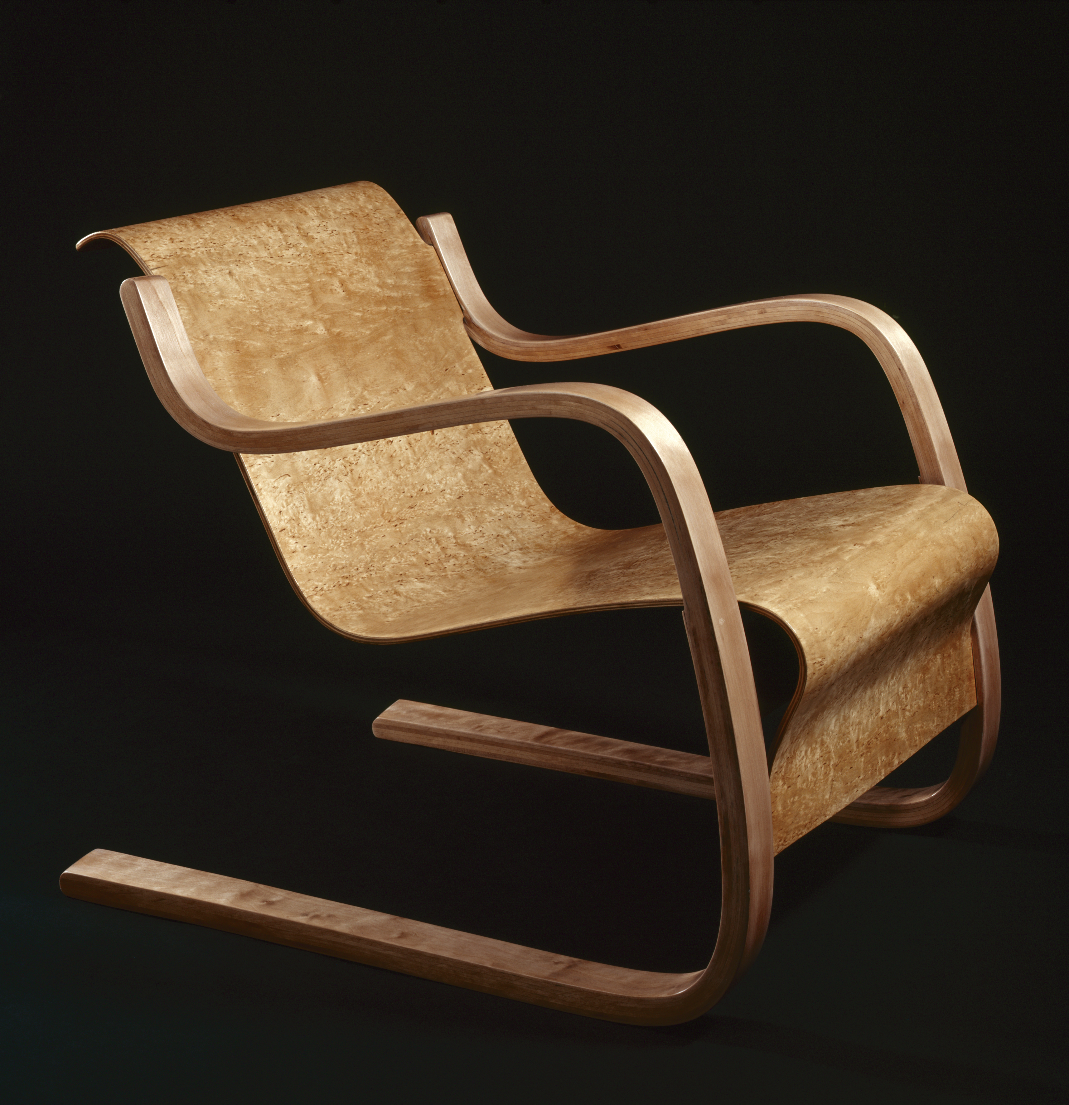 Alvar Aalto and innovations in bending wood. Alvar Aalto and innovations in bending wood   Gallery Guides